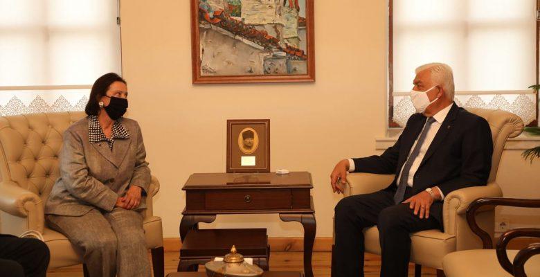 Türkiye'nin İlk Kadın Valisi Lale Aytaman Başkan Gürün'ü Ziyaret Etti