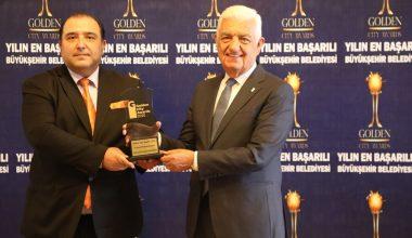30 Büyükşehir Belediyesi Arasındaki Birincilik Ödülü Osman Gürün'e Verildi