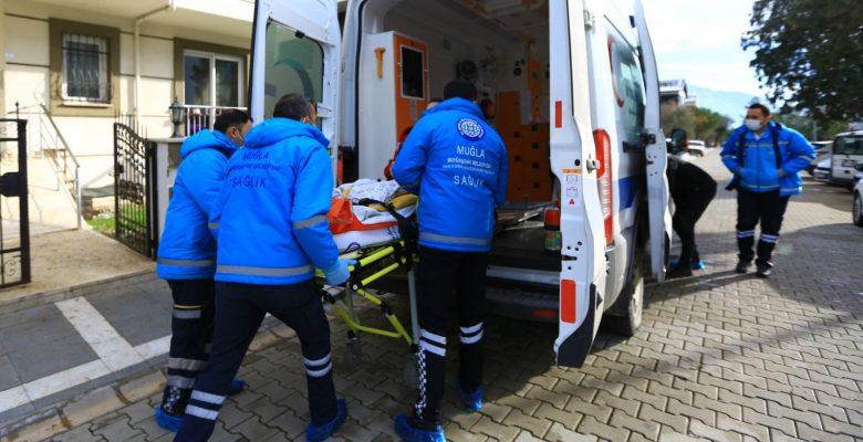 Büyükşehir, Hastaları Sağlık Kuruluşlarına Taşıyor